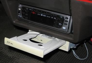 Ford reemplazaría los reproductores de CD en los coches