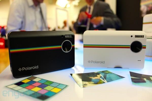 Polaroid Z2300, cámara con impresora ZINK incorporada