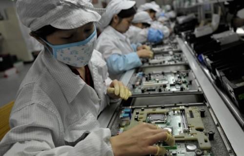 Mejoran las condiciones laborales en fábricas de Foxconn