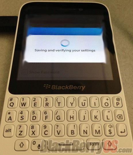 Se filtra la imagen de un supuesto nuevo móvil con BlackBerry 10