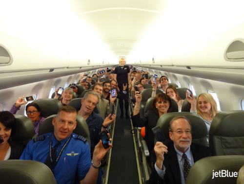 Ya podremos usar el teléfono el en avión, o casi.