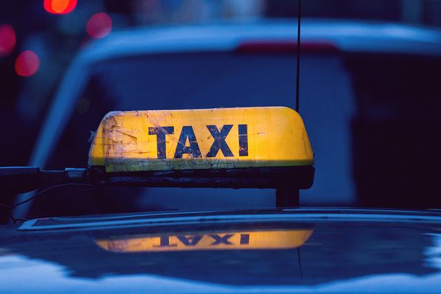 Uber, los taxistas y la polémica