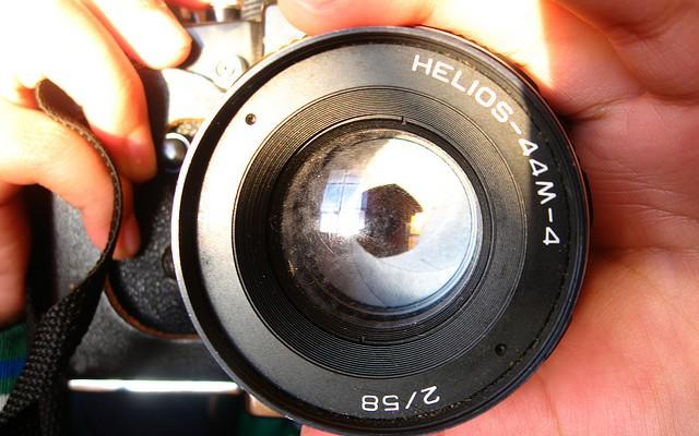 Hacer fotos no conserva los recuerdos, los diluye