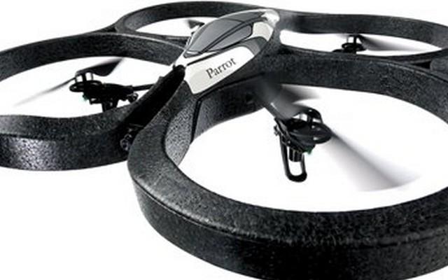 Ahora los drones se usan para pasear perros