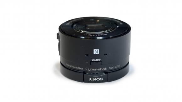 Las nuevas cámaras QX de Sony podrían llegar en septiempre