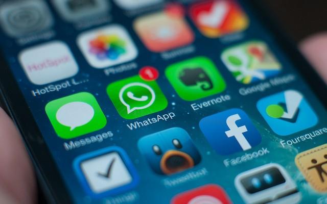 """El fundador de WhatsApp critica la """"innovación"""" de iOS 8"""
