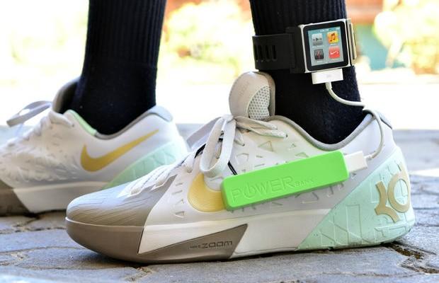 Un estudiante crea un sistema de recarga de batería mientras caminas