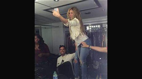 """Shakira, en el libro Guinness por los """"likes"""" de su perfil"""