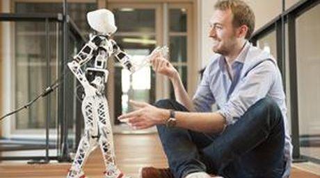 Conoce a Poppy, el robot de código abierto que se puede armar en casa