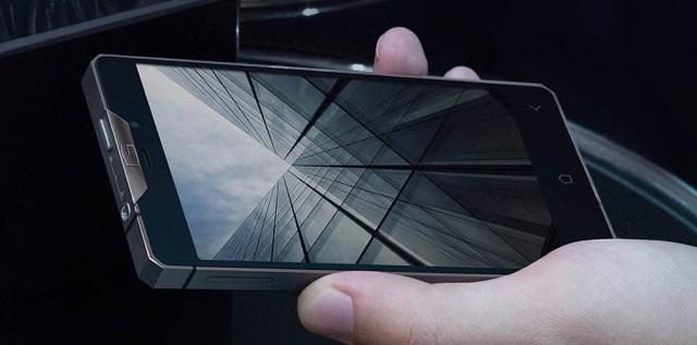 Gresso Regal R1, un smartphone de lujo hecho en titanio